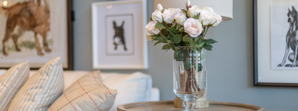 roses-on-table